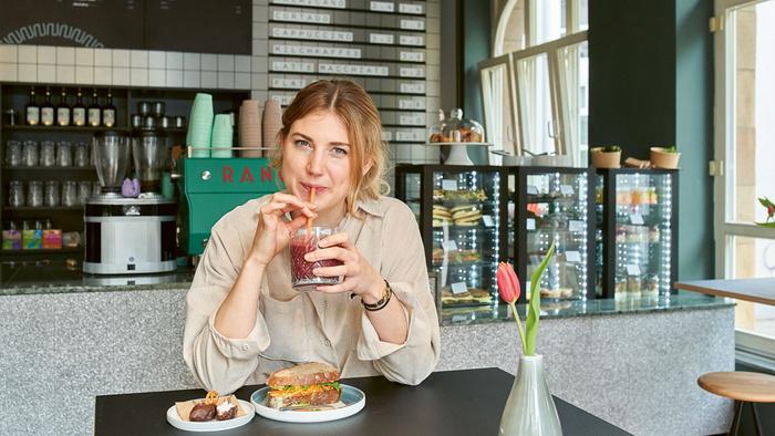 Natan Café and Bar